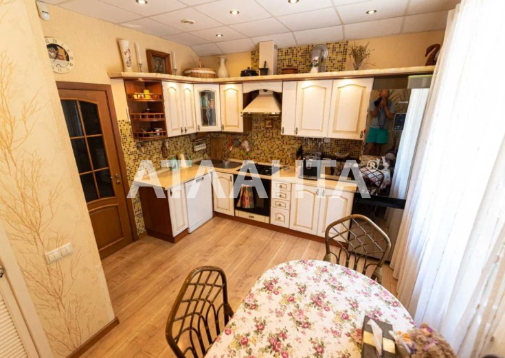 продажа трехкомнатной квартиры номер A-164686 в Приморском районе, фото номер 21